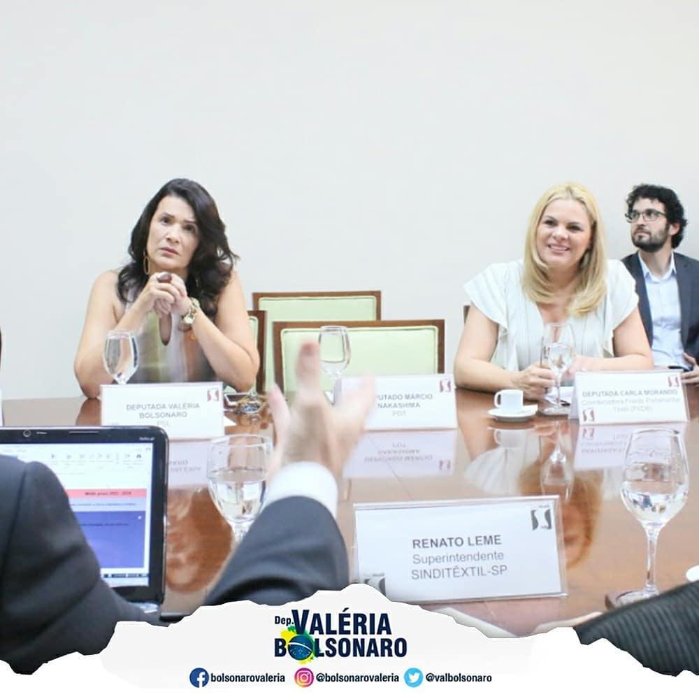 Reunião com presidentes dos sindicatos patronais, e a deputada Carla Morando.