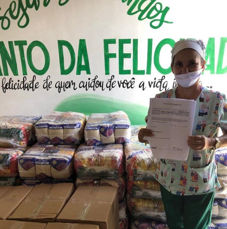 Mais de 20 mil cestas e kits de higiene são entregues a 208 asilos