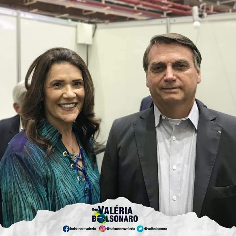 Deputada Valéria Bolsonaro acompanha Presidente da República em visita ao superlaboratório de luz síncrotron de 4ª geração em Campinas