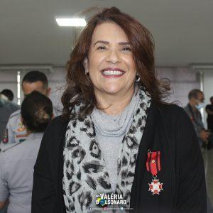 Deputada Valéria Bolsonaro é homenageada com Medalha Comemorativa do Centenário do Corpo de Bombeiros