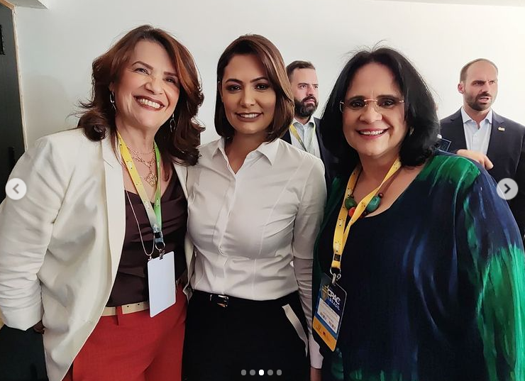Valéria Bolsonaro marca presença na CPAC Brasil
