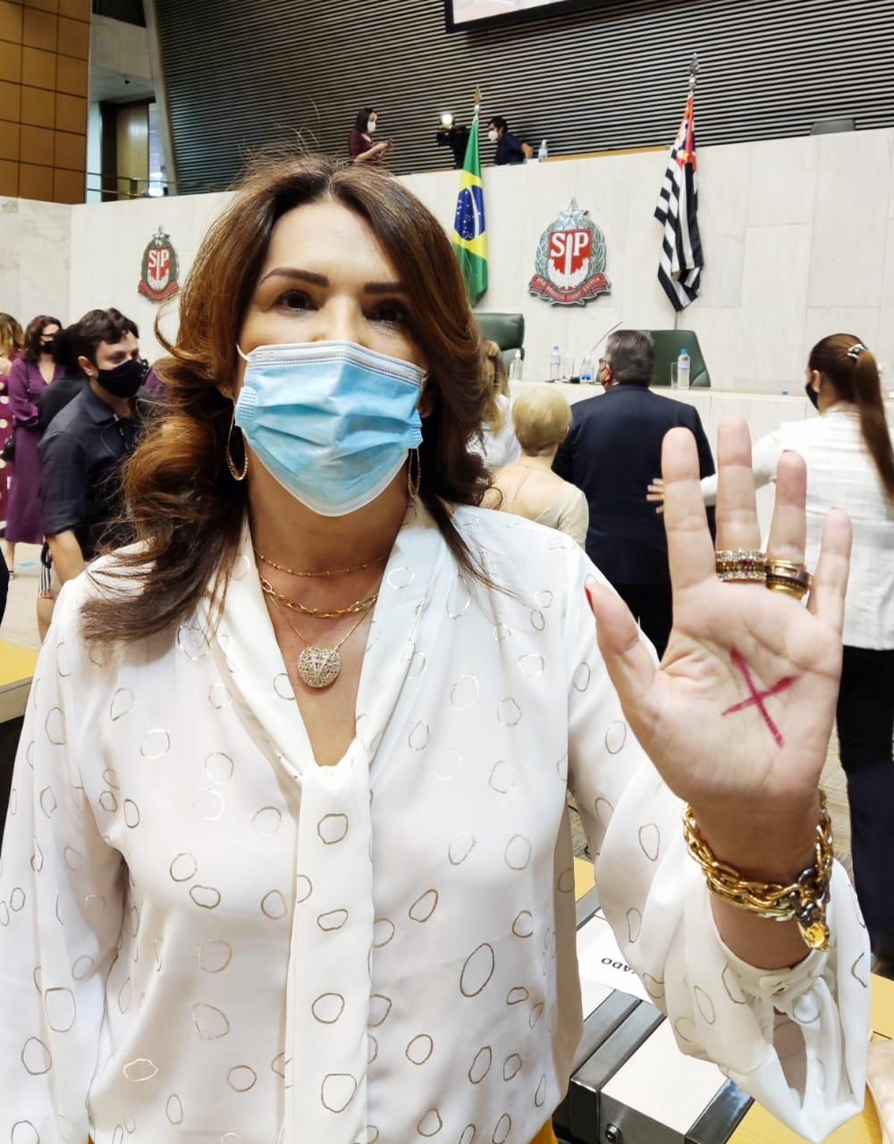 Valéria Bolsonaro participa de adesão ao programa contra Violência Doméstica