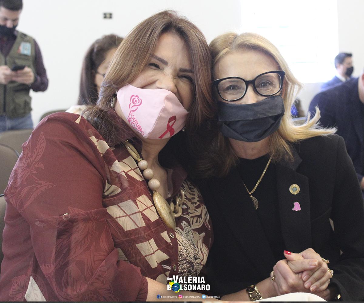 Espaço Crescer e Vencer recebe visita da Deputada Valéria Bolsonaro e verba de R$ 100 mil